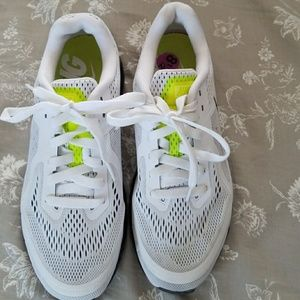 Nike running neutral ride shoes 8.5